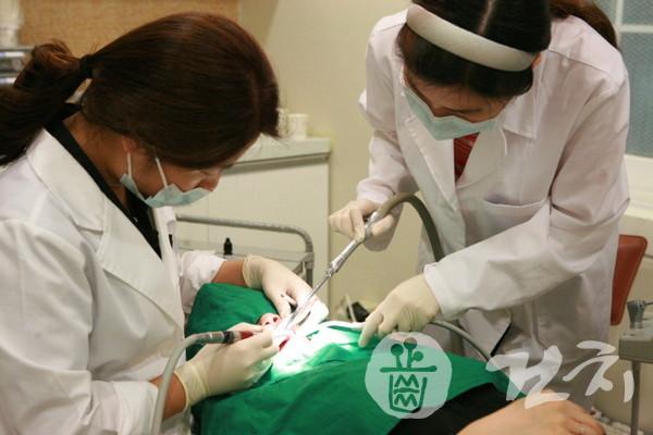 치과진료 모습 (제공=서울시립십대여성건강센터 나는봄)